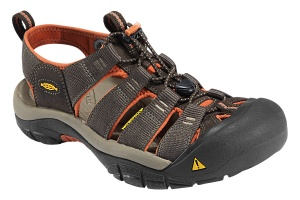 Фото сандалии keen newport h2 black olive/ bombay brown